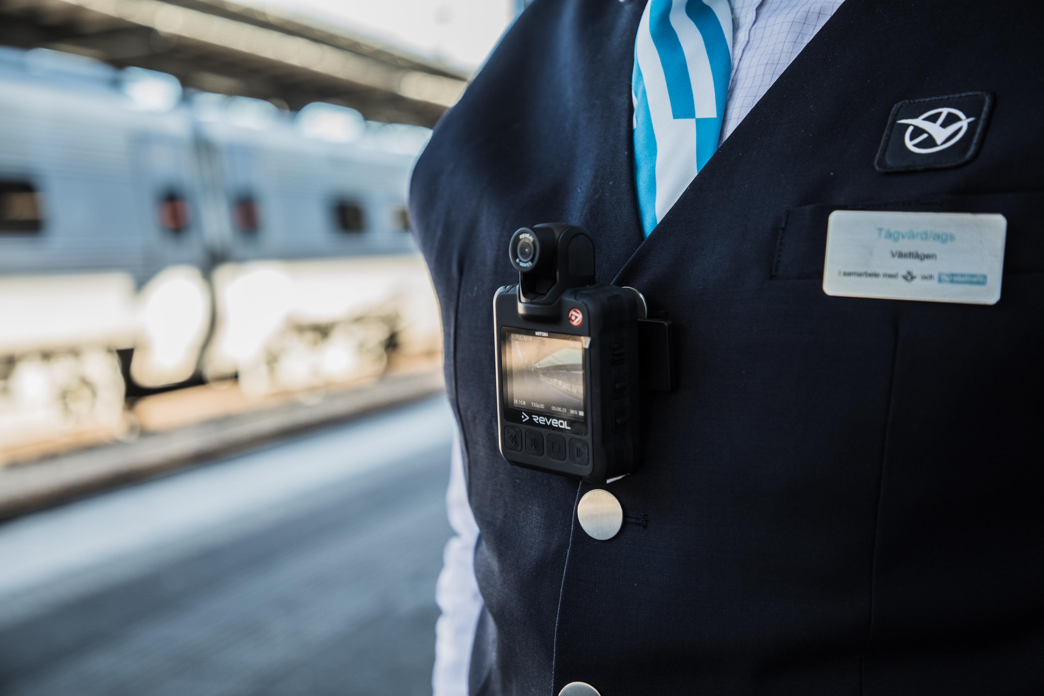Skaraborgsbygden » Tågvärdar utrustas med kroppsburen kamera